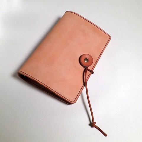 ナチュラルなヌメ革のシステム手帳[バイブルサイズ]しっくりくる手帳 カタカタカバン