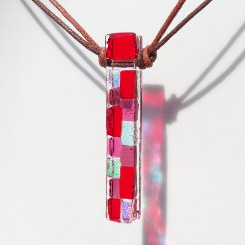 オーロラガラス『おーろら【レッド】』ネックレス【アロマペンダントに変更可】【紐の色、長さ選べます】【受注制作】
