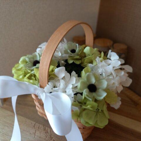 アネモネグリーン、オフホワイト紫陽花、リングピローかご、リングピローカゴ。