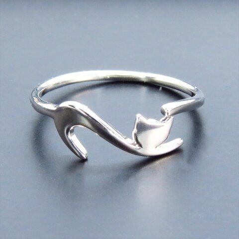 「再販」シルバー925 繊細で柔らかいラインの猫シルエットモチーフリング 指輪 フリーサイズ
