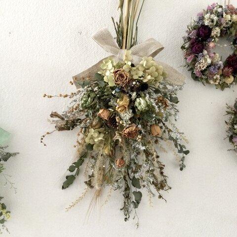 秋色 ローズと小花のナチュラルスワッグ ドライフラワー 誕生日プレゼント  引っ越し祝い ギフト