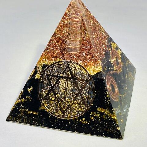 ≪受注制作≫【魔除け・ストレス解消・お守り】フラワーオブライフ&六芒星 ピラミッド型 オルゴナイト