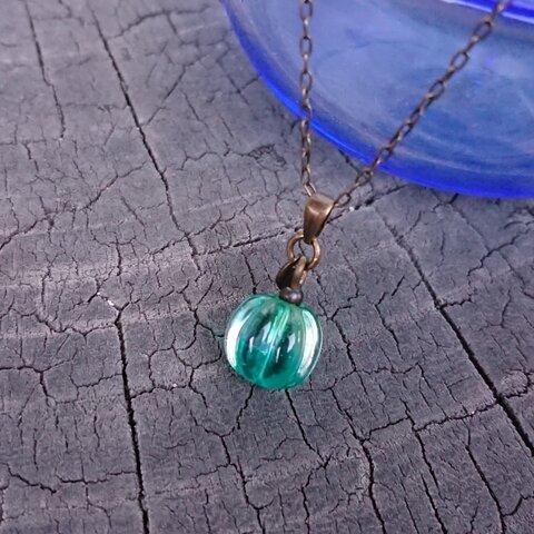 みかん玉・コロンと小さいネックレス『とんぼ玉』