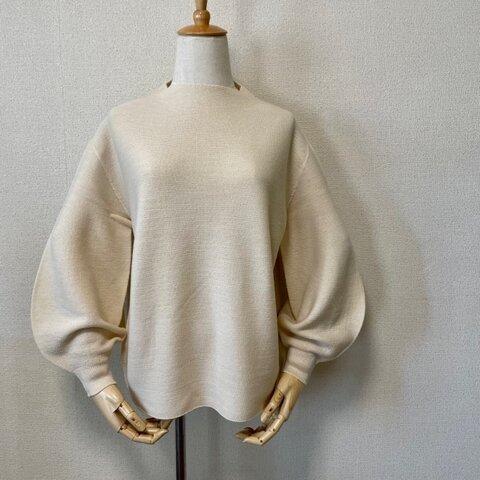 ホールガーメント パフスリーブボトルネックセーター オートミール
