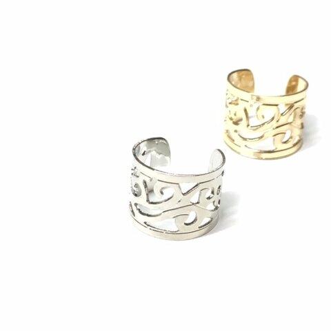 ボタニカル模様が綺麗なイヤーカフ 銀色、チャーム、チェーンでオリジナルに♪