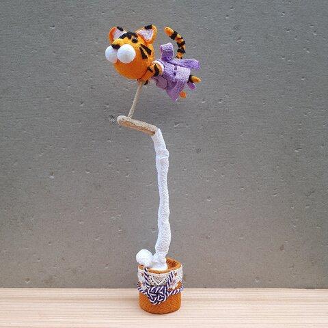 きねつきピョンタイガー 置物 ちりめん細工 餅つき お正月 虎 寅年 お月見 節句 お誕生日 出産祝い プレゼント tiger