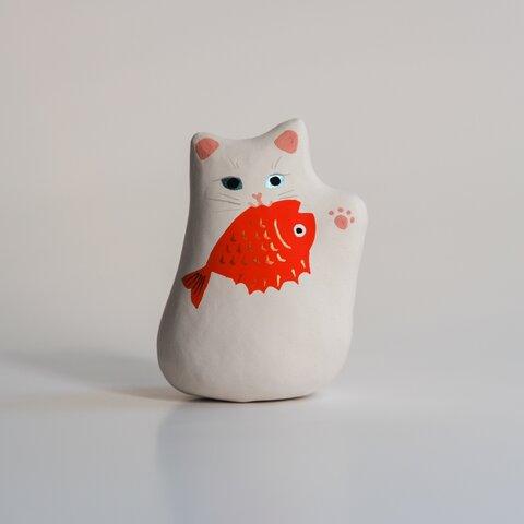 お魚くわえた招き猫【人を招く左手】