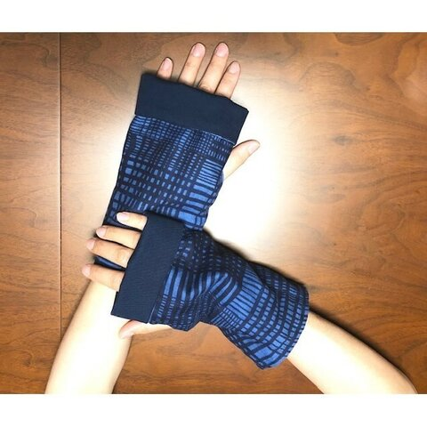 長さが調節できる『とことん着ごこち ハンドカバー ネイビー』 敏感肌 アトピー 冷え性 UV対策に 綿100% Wガーゼ