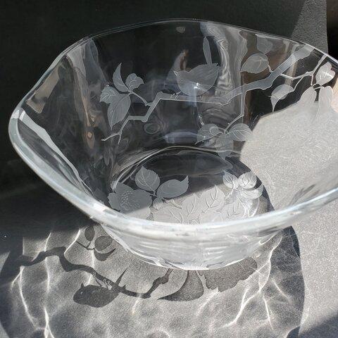 ガラスのサラダボウル