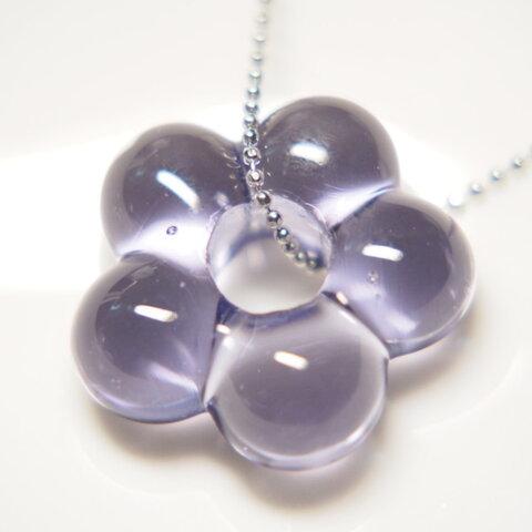 お花のネックレス 薄青紫