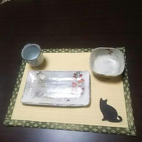 たたみランチョンマット黄金色(耐水性)樹脂加工カラー表  ネコシルエット