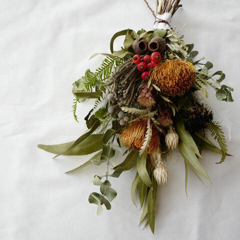 ドライフラワースワッグ✴︎秋冬の森スワッグ ブーケ 花束 クリスマス ハロウィン