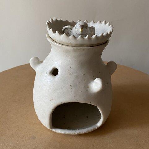 鳥のおうち茶香炉(ぷっくりとした塔にぷっくりとした鳥)【アロマポット】
