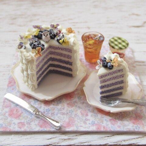 ハリネズミ**ブルーベリーとビオラのレイヤーケーキセット