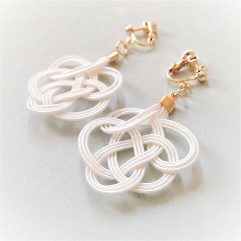 水引:tie earrings(白)