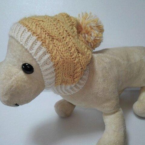 山吹色の縄編み柄の帽子で大きなボンボリが可愛いです(CAP-31)