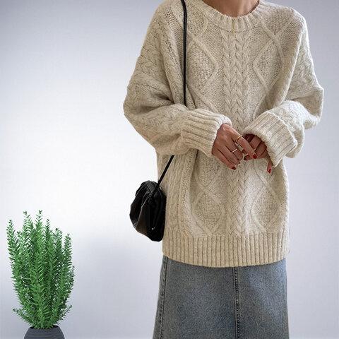 ホワイト 長袖 セーター ニット トップス レディース 冬 ロング ケーブル編み おしゃれ 通勤 ゆったり 上品 ナチュラル 体型カバー フェミニン