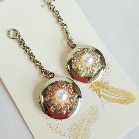 キラキラ雪の結晶 宝石風 ビジュー メタル ミニ朱肉ストラップ ・ シルバー