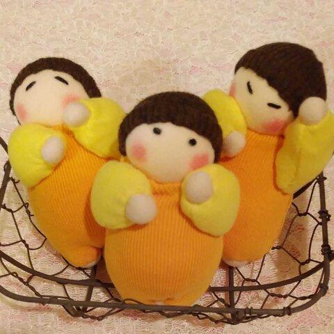 三つ子の栗の赤ちゃん人形(容器付き)