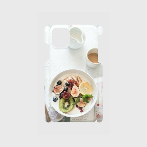 元気をもらえるフルーツいっぱいの朝食デザインスマホケース