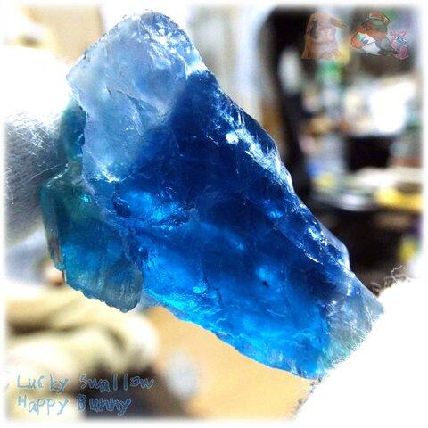 ◆ 動画あり 特別な コバルトブルー ブルーフローライト 蛍石 原石 欠片 No.4768
