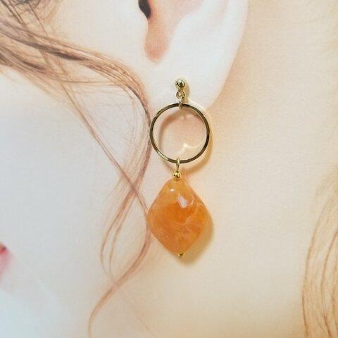 天然石ストーン風のピアス/イヤリング(オレンジ)【アレルギー対応】