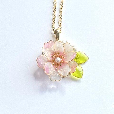 十月桜のネックレス