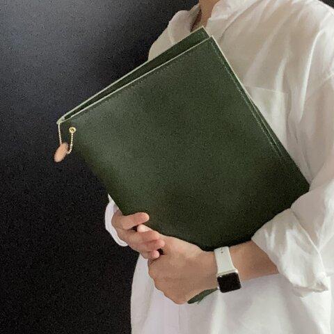 カチッと仕事サラッと整理 本革書類ケース ちょい大きめ 深い緑 留めゴムないです