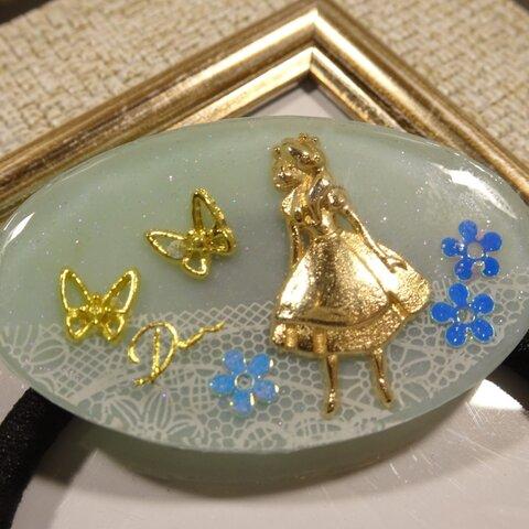 *レジン ヘアゴム 蝶と少女とお花