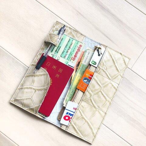トラベル ホルダー パスポート ケース 本革 クロコ型押し ベージュ