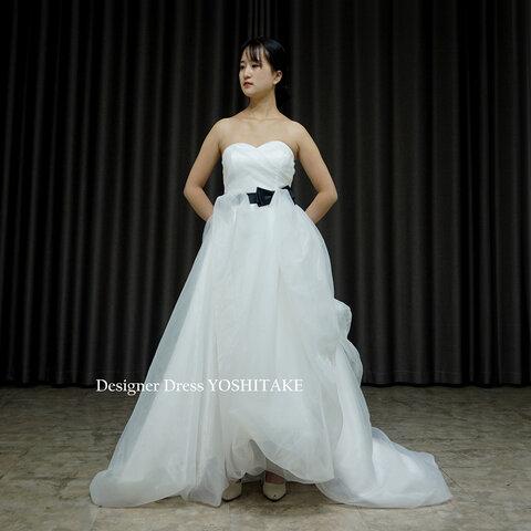 スレンダーオーガンジー.黒&白2つリボン付き.挙式ドレス.フォトトウエディング