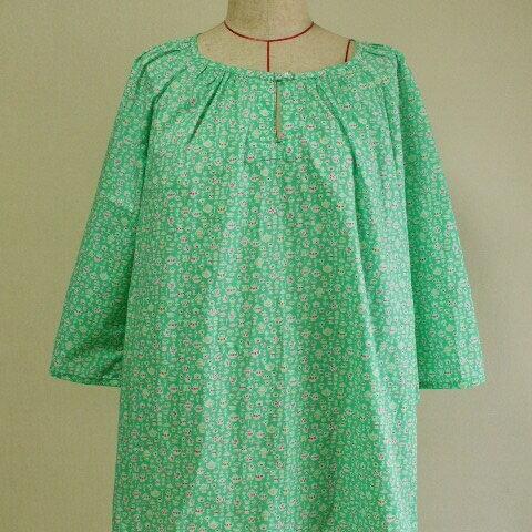 【セール品】リバティタナローン Suzy Elizabeth (スージー・エリザベス) チュニックブラウス M~LLサイズ グリーン色