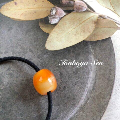 とんぼ玉のヘアゴム(オレンジ)