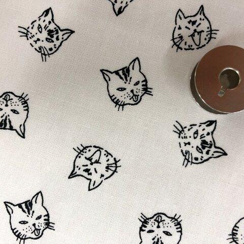 【100×50】猫フェイス柄 生地(ホワイト)