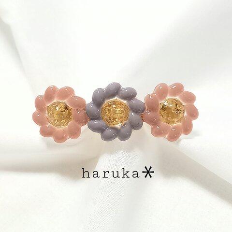 〖再販*〗大人のやさしいくすみカラー3連お花のバレッタ