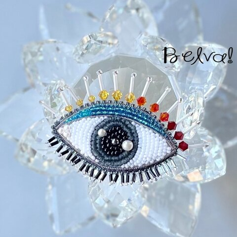 ビーズ刺繍ブローチ -目 eye-