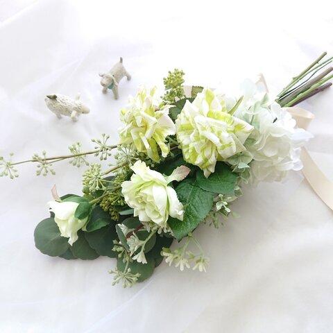 ライトグリーンブーケ  🌱 バラ アジサイ ユーカリ ブーケ 花束 ウェディング