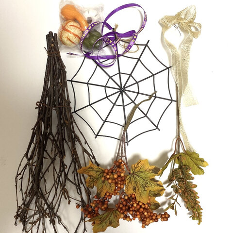 簡単手作りキット!ハロウィンスワッグ壁掛け❣️蜘蛛の巣、リボン、カボチャ 木のスワッグ ハロウィン ハロウィン壁掛け ハンドメイド 手作り お洒落 花材キット