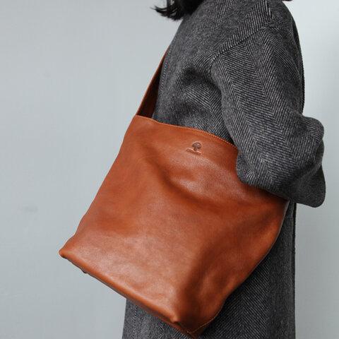 【本革 ショルダーバッグ】斜めがけ 大容量 革 バッグ マザーズバッグ レディースバッグ