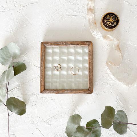 レトロガラスのアクセサリートレイ
