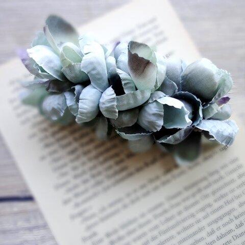 花びらのバレッタ ■ ふんわり優しいシルエット ■ ブルー