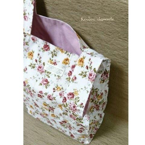 レジ袋タイプのエコバッグ(エレガントなペールピンクのバラ柄)