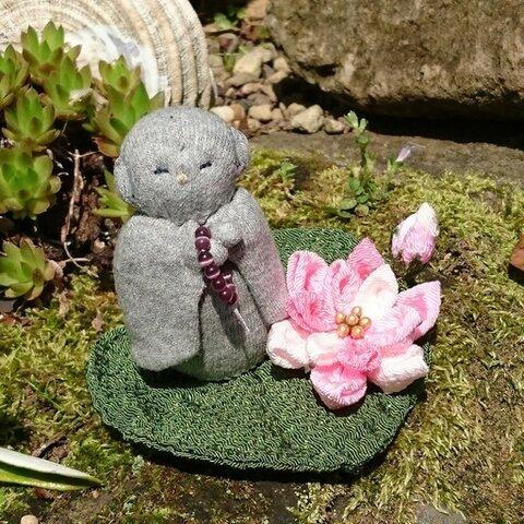 蓮の花とお地蔵様