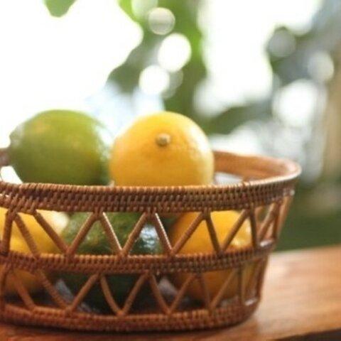 当日出荷!アタ製 透かし編が目を引くギザギザかご A10 (手編みかご、みかんかご、小物入れ、果物かご)