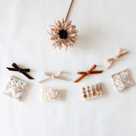 Velvet Ribbon × Embroidery snap pin