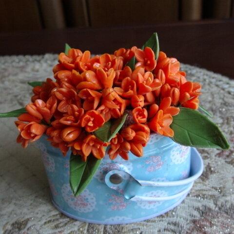 樹脂粘土で作ったキンモクセイの花