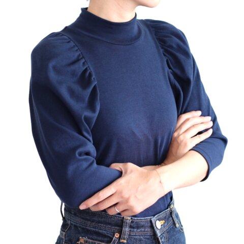 形にこだわった 大人のハイネックギャザー袖Tシャツ【サイズ・色展開有り】