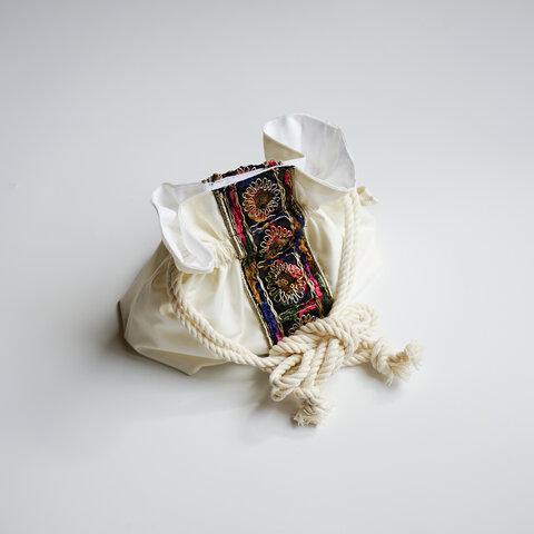 【ラスト一点】アンティークフラワーの刺繍レース『巾着ショルダーバッグ』, 巾着 巾着トート 巾着トートバッグ レース刺繍  インド刺繍