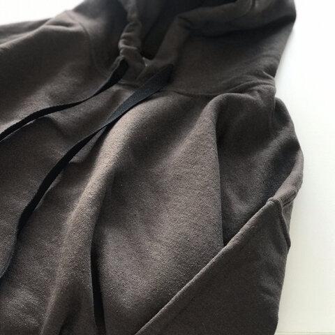 【NEW】シンプルなビッグシルエットパーカー / チョコブラウン / 袖口手刺繍