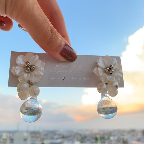 【再販】Alma white ガラスドーム ピアス・イヤリング